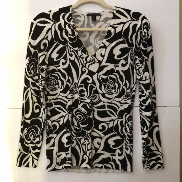Cyrus V-neck Sweater